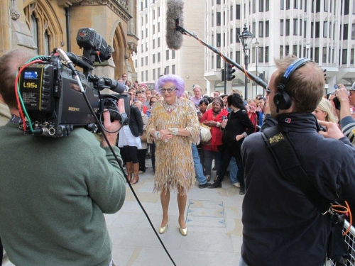 Dame Edna\'s \'Royal wedding\'