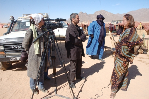 Menanews  - Tamanrasset south of Algeria - camera crew in action