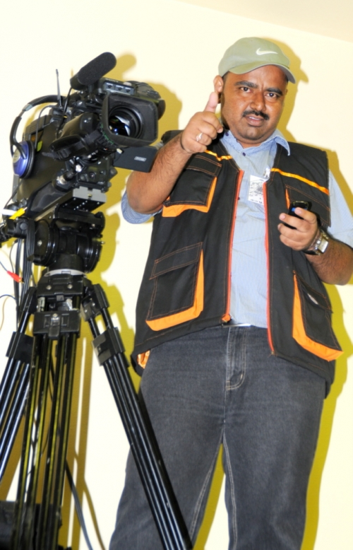 Mohammed Abdul Azeem filming in Dammam, Saudi Arabia